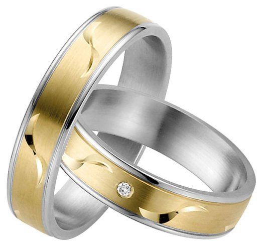 yellow gold and stainless steel wedding ring