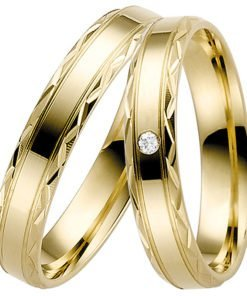 Yellow Gold Wedding Ring with Decorative Edge