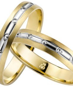 Yellow gold with white gold centre wedding ring